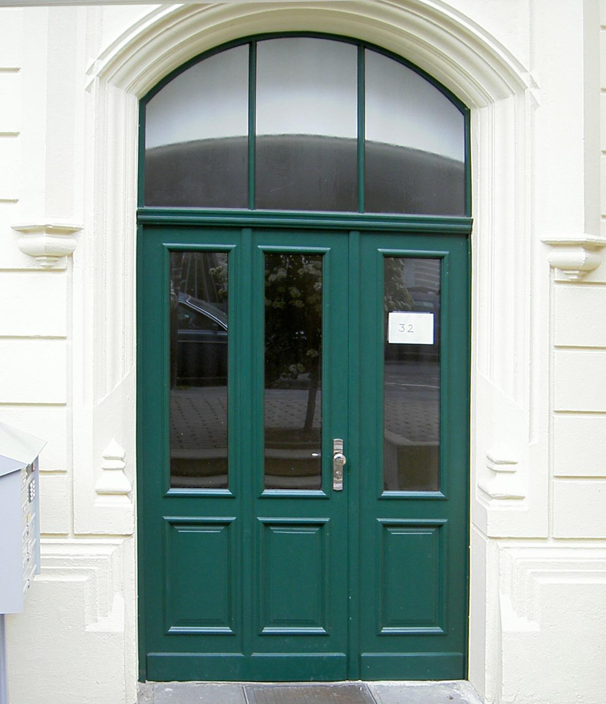 Herstellung historischer Haustüren